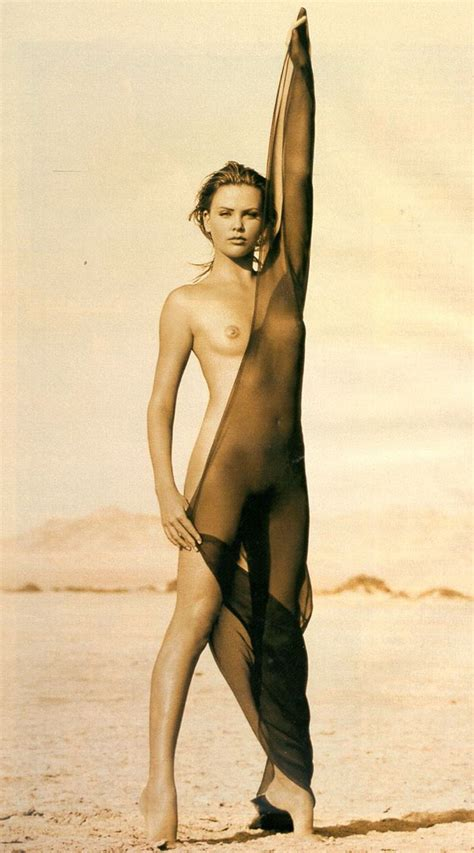 Charlize theron nude 14 photos celebrity nude leaked jpg 600x1081